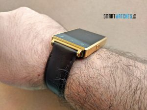 no-1-d6-smartwatch-on-wrist-thickness